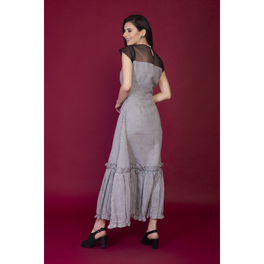Checkered long dress with gathers detail