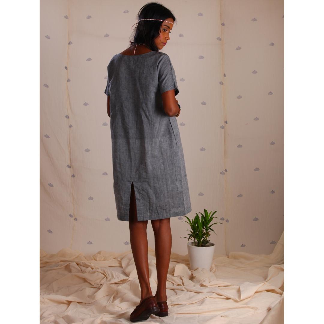 Grey mangalgiri tunic with kantha embroidery