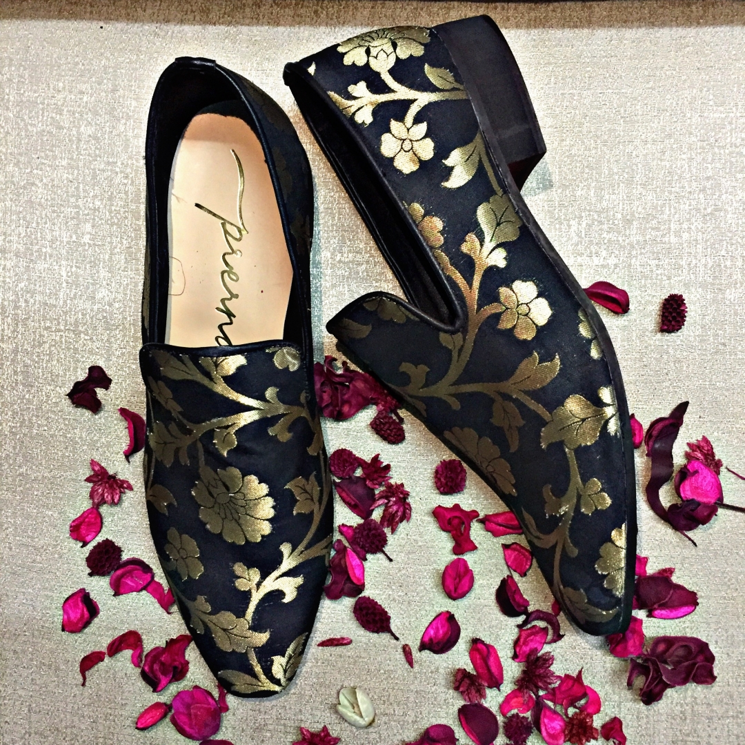 brocade black and gold edition 3