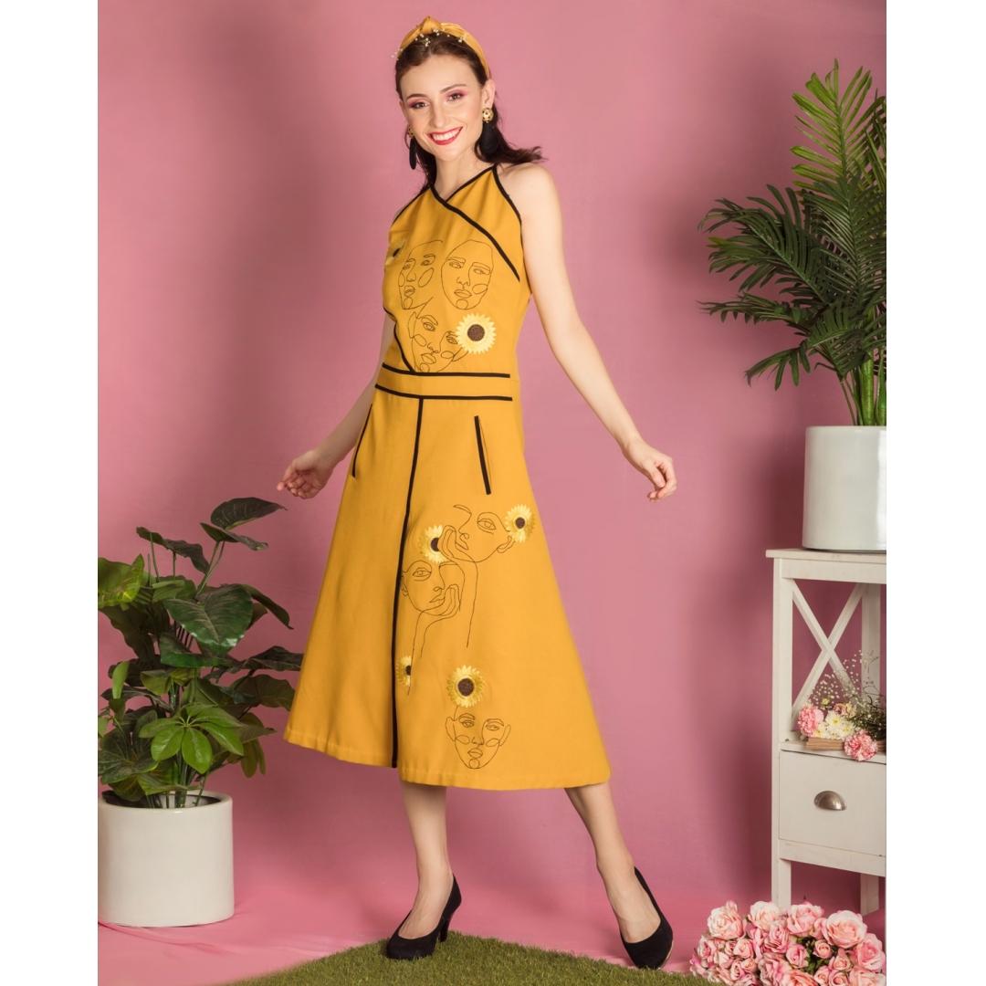 Mellow yellow face midi dress