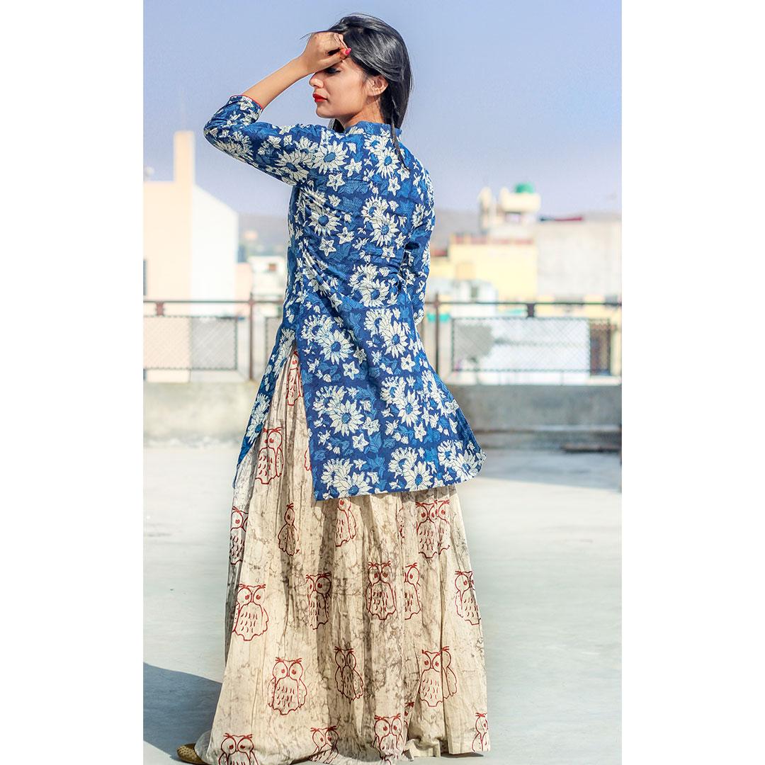 Set Of Indigo Floral Kurta With Skirt