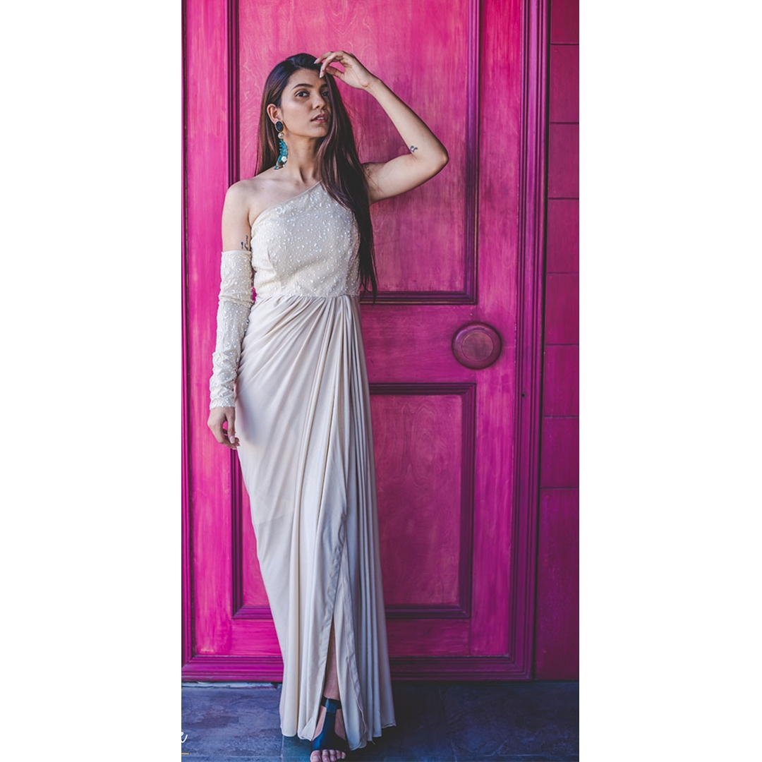 Buy Cream Off Shoulder Drape Gown With Separate Sleeve Online At Best Price In India Getnatty