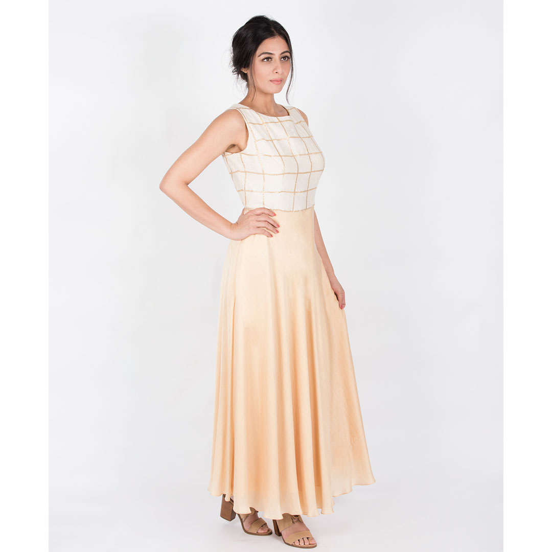 Wide Round Neck Anarkali With A Back Open Having A Tie UP