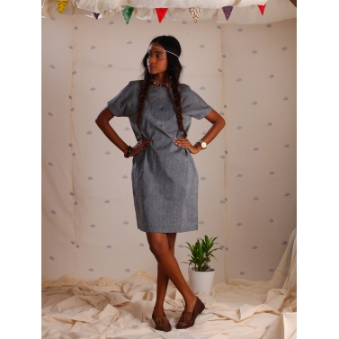 Grey mangalgiri tunic with kantha embroidery