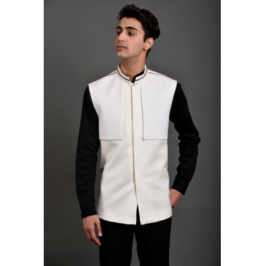 WHITE WITH CONCEALED BUTTONS BUNDI