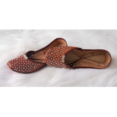 dark brown leather jutti with diamond and pearl work