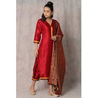 Surkh tashi suit set