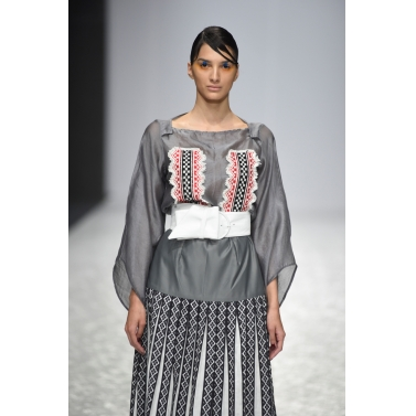 designer-womens-wear/grey-top-with-toda-embroidery