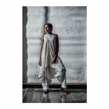 White Gold Lurex Top With Dogri Pants
