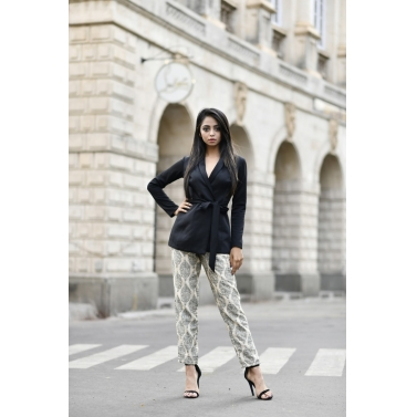 BLACK BLAZER AND TUSSAR PANTS