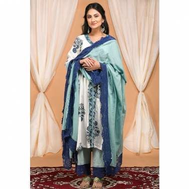 designer-womens-wear/seafoam-green-gather-kurta-set-with-laced-mulmul-dupatta