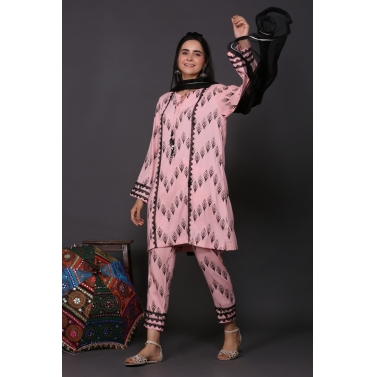 designer-womens-wear/loose-fitted-blush-kurta-set