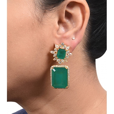 EMERALD AND DIAMOND CLUSTER TOP WITH BIG EMERALD SQUARE DROP IN 18K GOLD POLISH