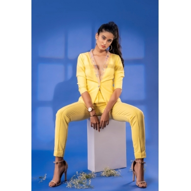 Moncohrome Yellow Blazer Set