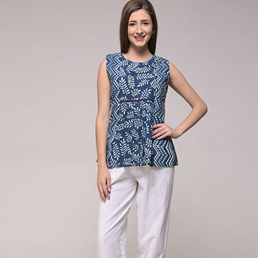 Dabu Leaf Print Pleated Top In Cotton