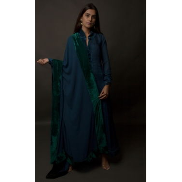 designer-womens-wear/plush-velvet-midnight-blue-silk-chiffon-panelled-dress