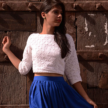 designer-womens-wear/designer-crop-tops/white-applique-crop-top