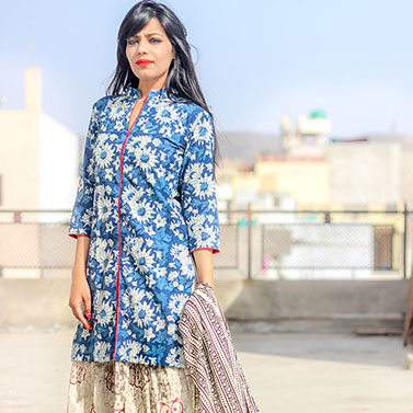 Set Of Indigo Floral Kurta With Skirt