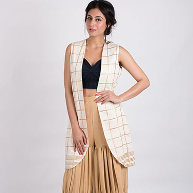 Sweetheart Neck Bustier With A Layered Sharara And Front Open Jacket
